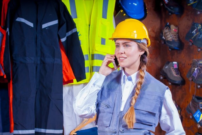 female-contractor-new-independent-contractor-test