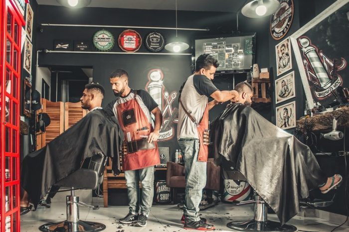 men-having-their-haircut-by-independent-contractor-borello-test