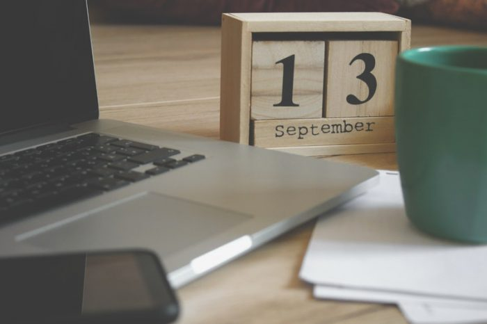 desk calendar to manage vacation requests