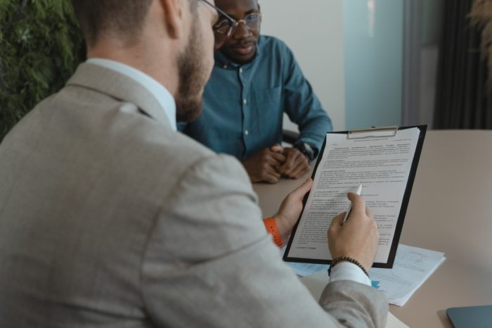 hr managers struggling with hiring and retaining employees
